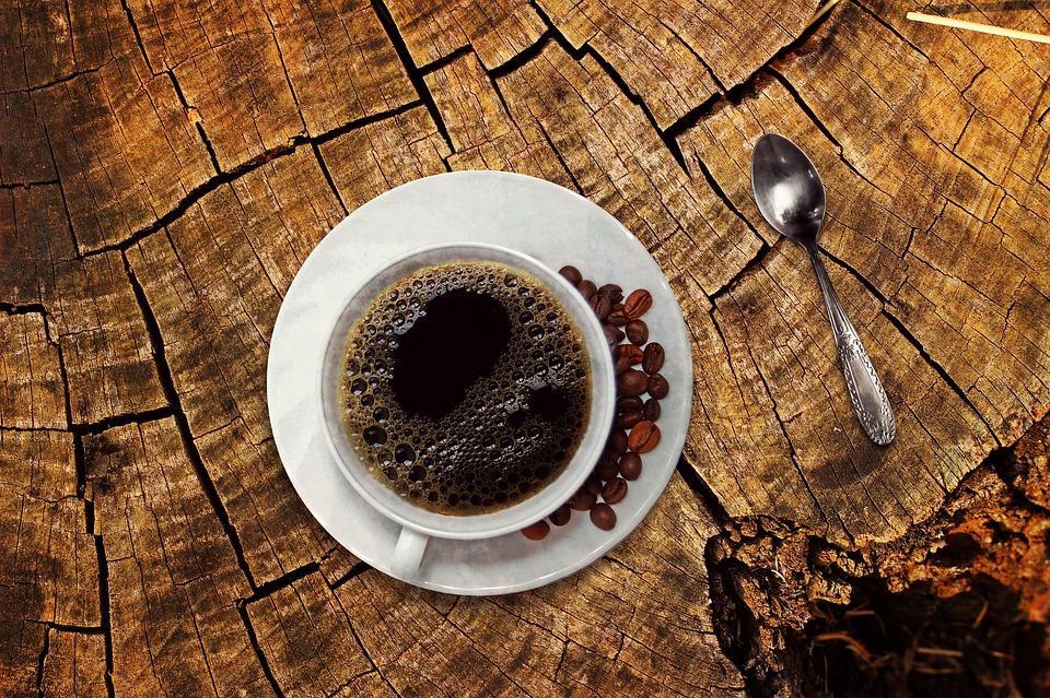 beber cafeína