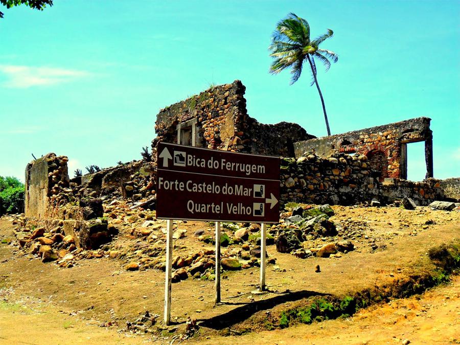 Vila de Nazaré com diversas ruínas e muita história.