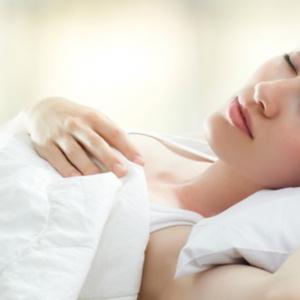 Mulheres precisam dormir mais que homens
