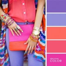 5. Coral vermelho e tonalidades de lilás