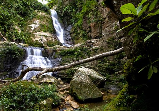 Cachoeira no Parque Estadual Serra de Caldas Novas Foto: Goiás Turismo