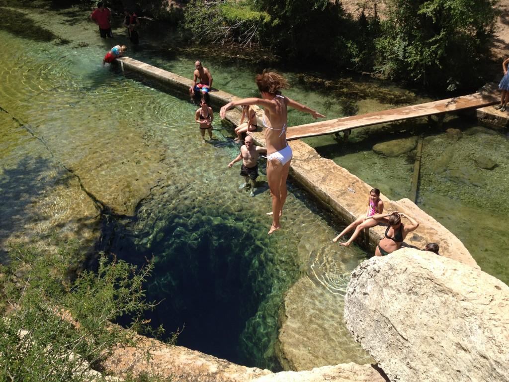 Conheça um dos lugares mais perigosos do mundo para se mergulhar