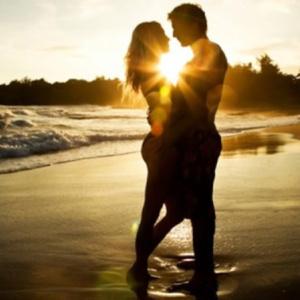 Quer viajar com o seu amor? Conheça 5 praias românticas no Brasil