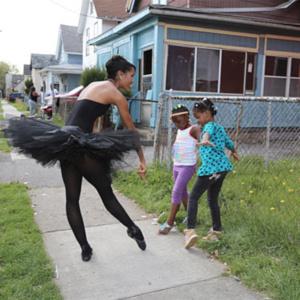 A emocionante história da bailarina que inspira os sonhos de meninas pobres