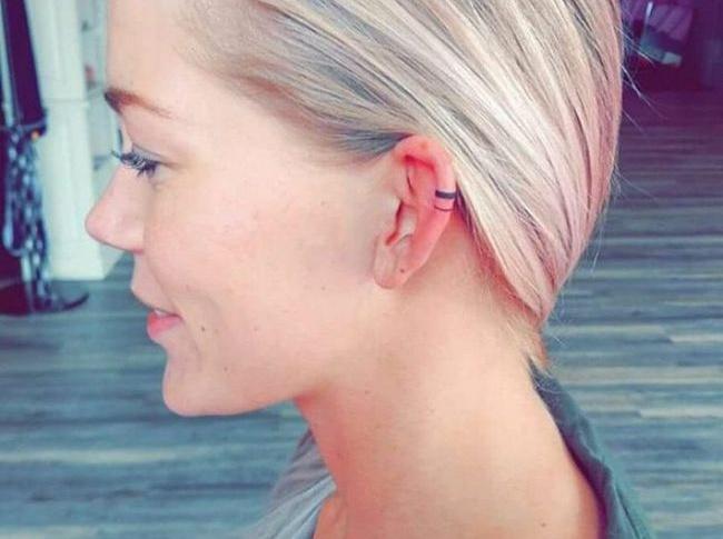 Nova tendência: tatuagem na cartilagem da orelha. Você faria?
