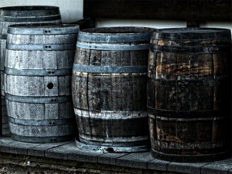 Barris de carvalho para envelhecimento do vinho