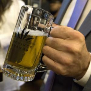 Cerveja de maconha e sem glúten é criada no Canadá
