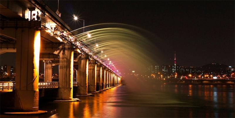 Fonte arco-íris da Ponte Banpo, Coreia do Sul