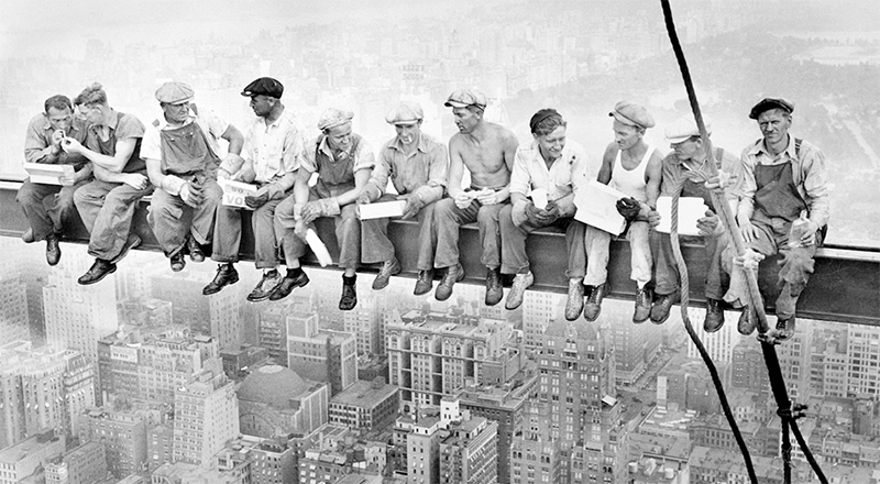 Lunch atop a Skycraper