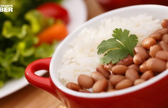 Arroz e feijão são importantes para a saúde