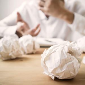 Trabalhar demais faz mal para a carreira e para a saúde