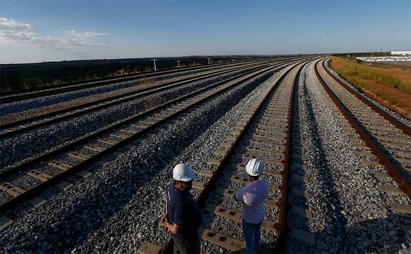 Por que o Brasil não investe em ferrovias?