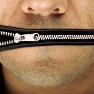 Falar demais pode ser um problema. Veja como controlar esse mau hábito