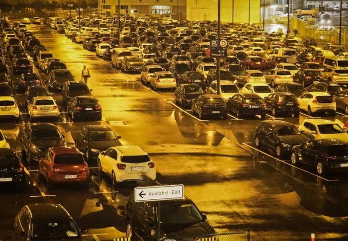 10 motivos para deixar seu carro estacionado no aeroporto quando for viajar
