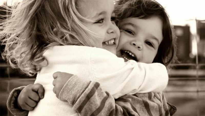 Como é bom um abraço!