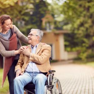 Ajudar as pessoas contribui para a diminuição de dores físicas e mentais