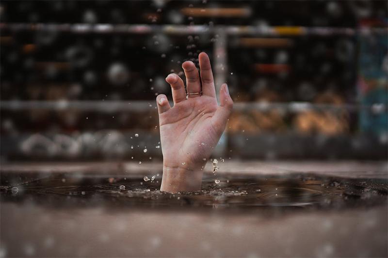 Não fique afundado no pecado