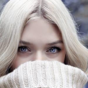 Porque a pele fica roxa quando temos frio?