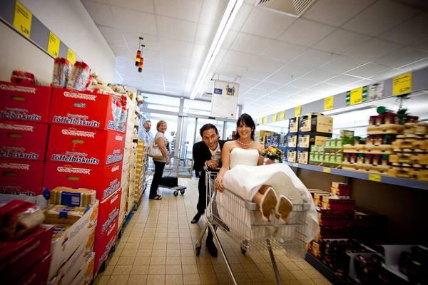 aproveitando a lua de mel no supermercado