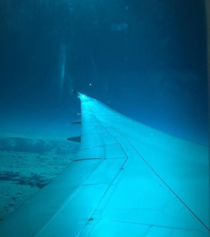 janelas de avião com uma vista diferente